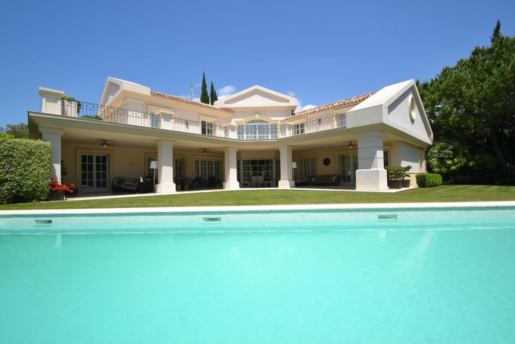 6 bedroom villa in Sierra Blanca  Located in Altos Reales, one of the most luxurious and listed comp,Spain