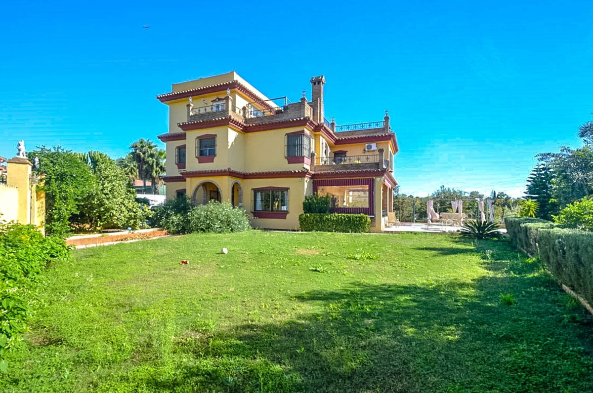RECENT REDUCTION FROM 639.000€ TO 535.000€ FOR FAST SALE   Spacious Finca very well built and close ,Spain
