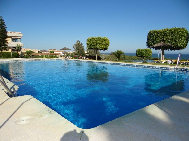 We are pleased to offer this great 2 bedroom,2 bathroom ground floor apartment for sale in Las Mimom,Spain