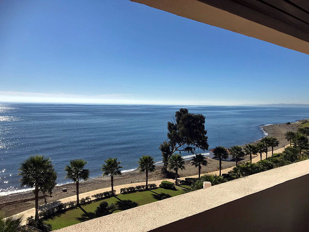 PHOTOS USED ARE OF THE ACTUAL APARTMENT  Exclusive beachfront apartment built and equipped with top ,Spain