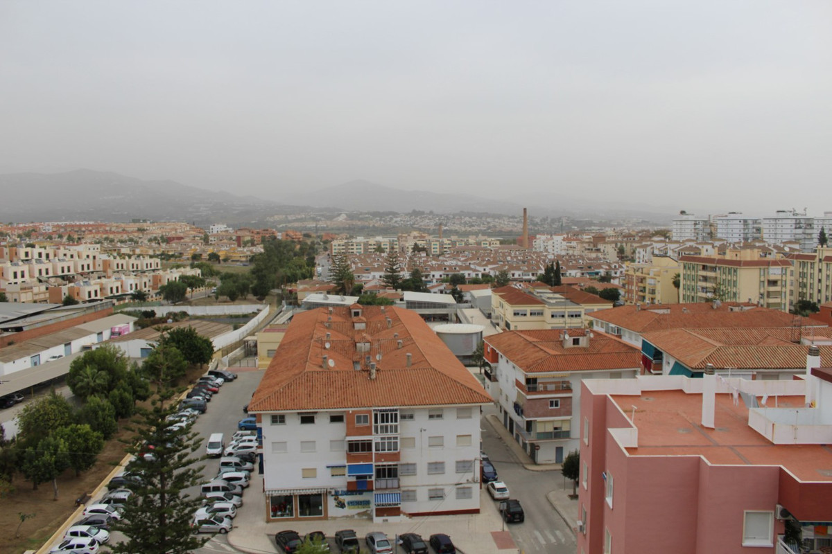 Apartment with views to the mountains, urban and the sea. The apartment has a large living room/dini, Spain