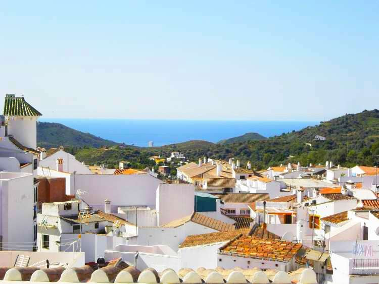 This beautiful, terraced townhouse in the heart of the white village of Ojen is perfect for anyone w,Spain