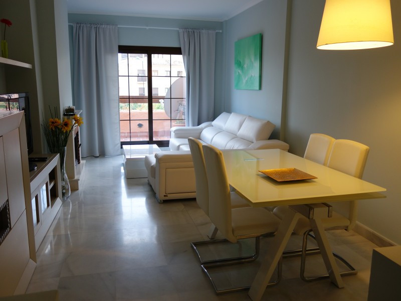 Perfect decorated, south facing apartment in the popular complex, conveniently situated next to the , Spain