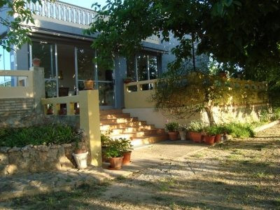 Just on the outskirts of Aielo de Malfret we have very comfortable 3 bedroom house with all bedrooms,Spain