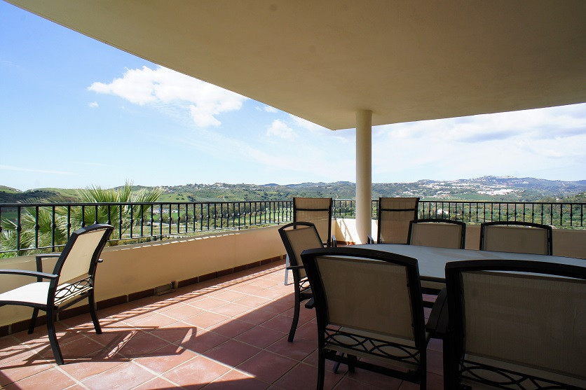 Beautiful three bedroom two bathroom apartment of 116 m2 built, tastefully decorated , with spacious,Spain