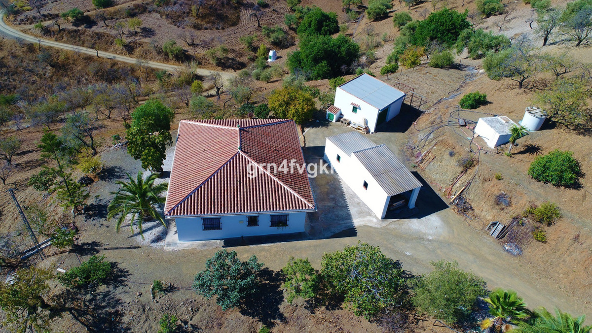 Finca - Cortijo, Almogia, Costa del Sol. 3 Bedrooms, 1 Bathroom, Built 128 m², Garden/Plot 17000 m²., Spain