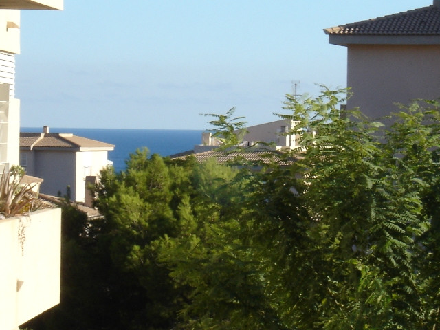 It is sold pre-owned apartment 100 m² (very light) located on second floor, 3 bedrooms, 2 doubles, 2, Spain