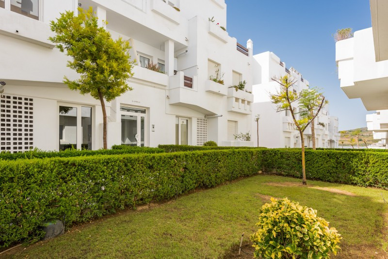 Ground Floor Duplex for sale in Valle Romano, Estepona, with 4 bedrooms, 3 bathrooms, 1 toilets and ,Spain