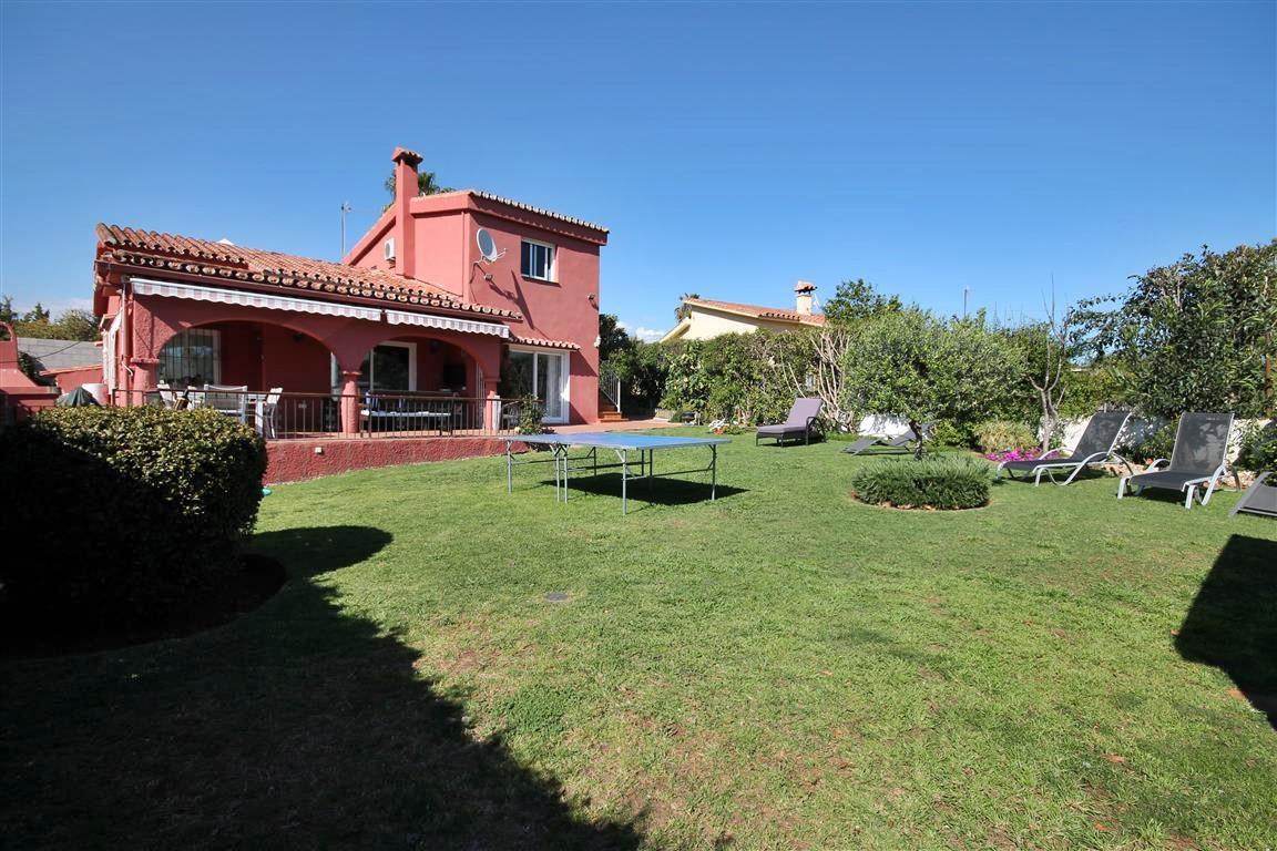 Detached Villa, , Costa del Sol. 5 Bedrooms, 3 Bathrooms, Built 130 m², Terrace 50 m², Garden/Plot 5,Spain
