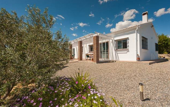A 3 bedroom, 3 bathroom country property in a very peaceful & private countryside setting with b, Spain