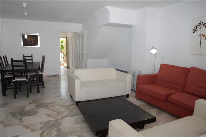 This is a fantastic investment! This 1st line beachfront  townhouse in La Duquesa has stunning sea v,Spain