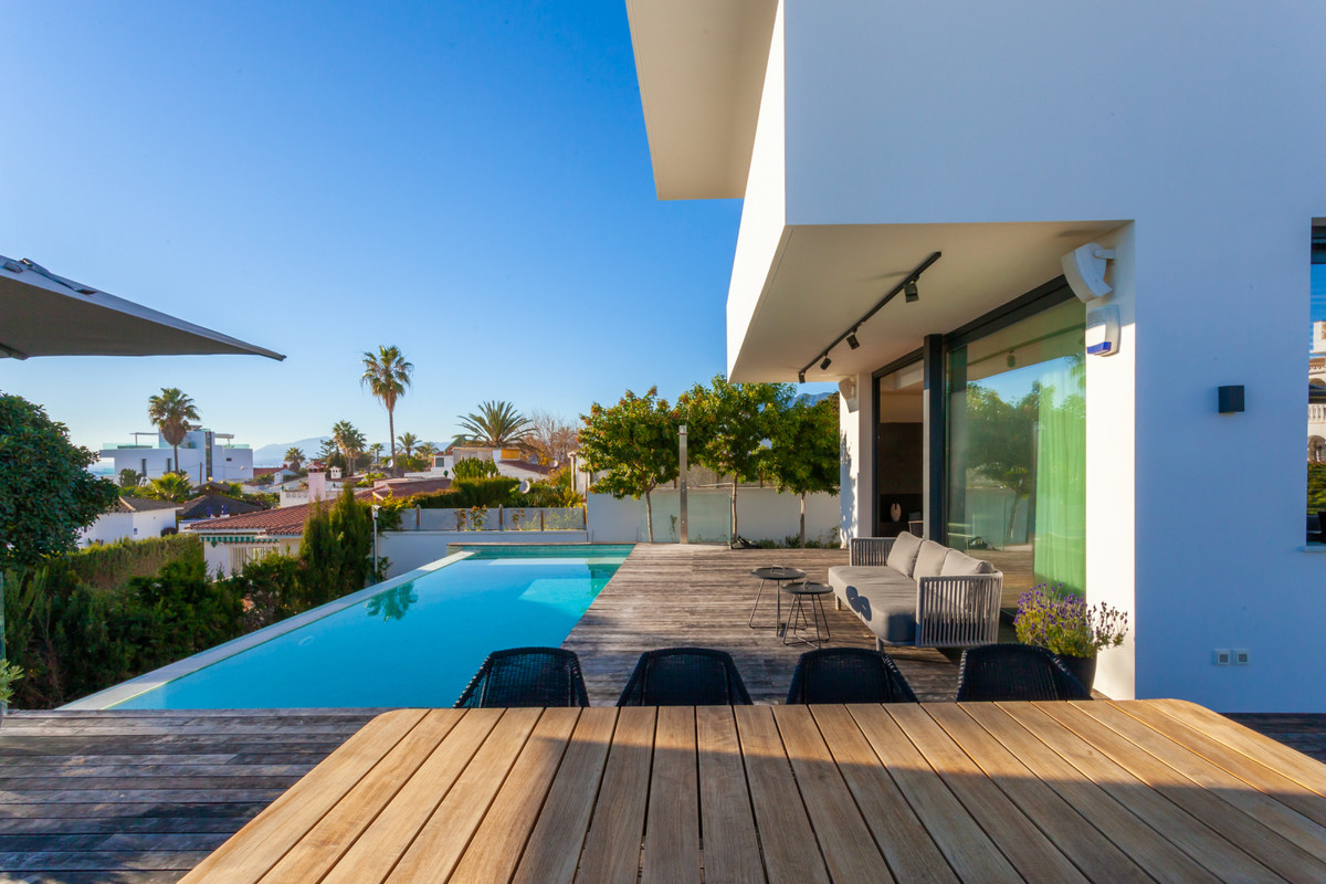 Fantastic Contemporary New 6 Bedroom, 6 Bathroom Beachside Villa located in Costabella only 50 meter,Spain