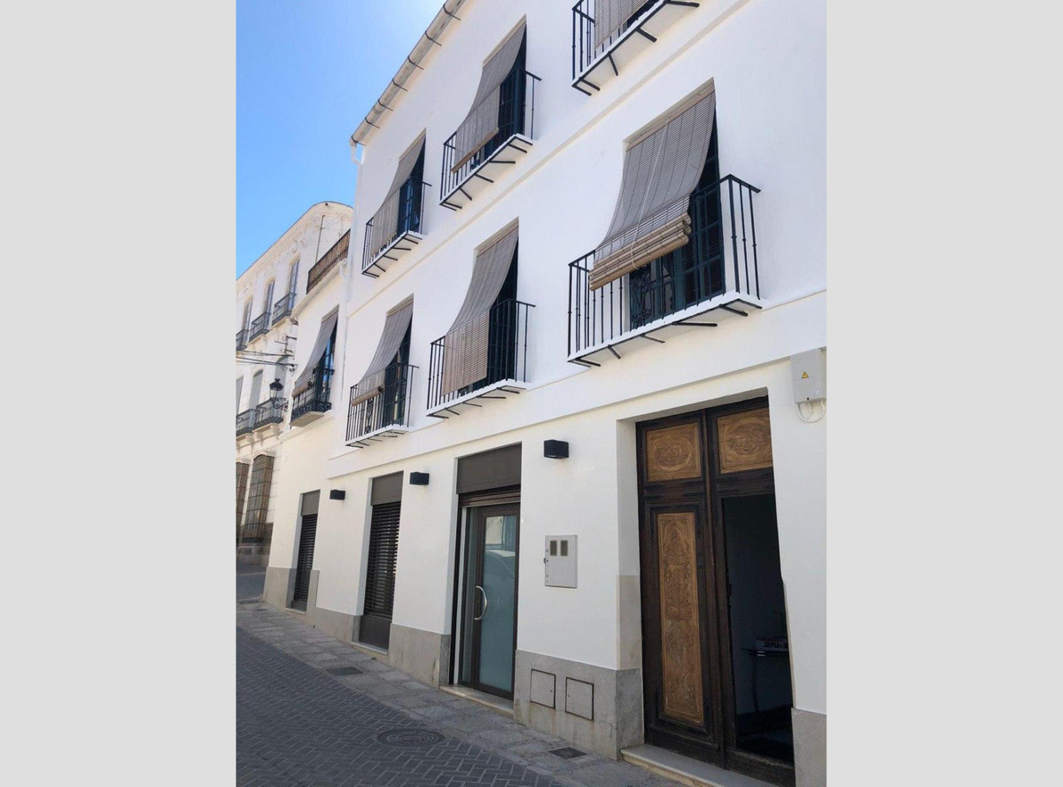 A great investment opportunity! Beautifully recently reformed building from the 17th century, situatSpain