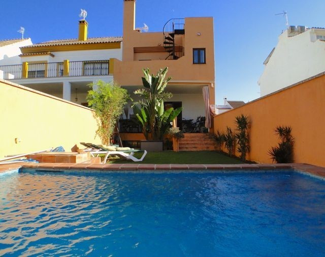 Wonderful townhouse next to Los Naranjos golf course in Nueva Andalucia. Quality built, spacious 3 b,Spain