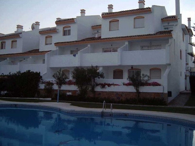 Originally listed for 150,000€ and recently reduced to 135,000€. 2 bedroom groundfloor apartment, co,Spain