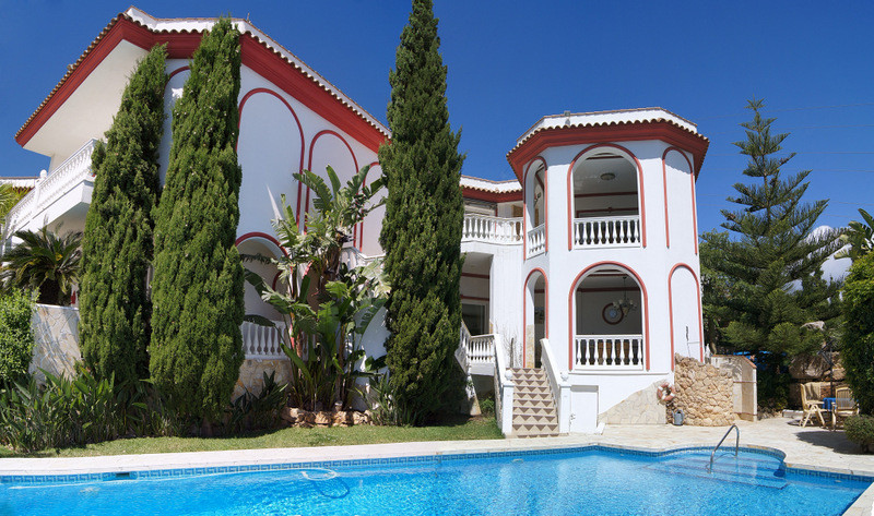 Fantastic classic style Villa with spectacular views to the sea. German archtitekt with a lot of  de,Spain