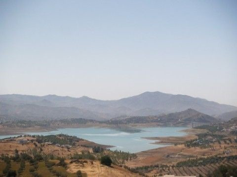 Superb villa with spectacular lake views, mature gardens , lounge with log fire, f/f kitchen, A/C (h,Spain