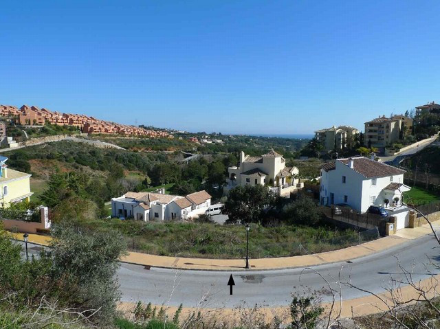 This plot has an excellent location, overlooking Santa Maria Golf Course. This plot is a short drivi,Spain