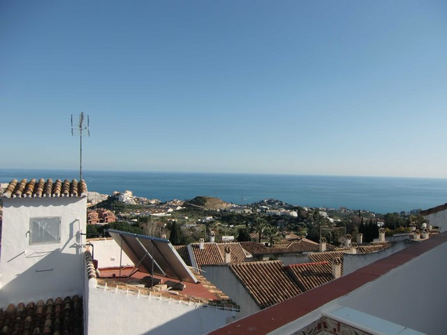 Apartment,  Central,  Furnished,  Equipped Kitchen,  Facing: Southwest Views: Surrounds, Sea. Featur,Spain