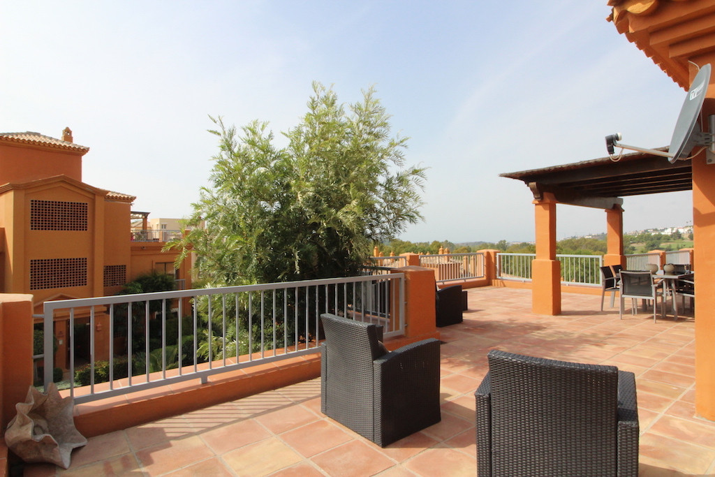 Modern penthouse with  fantastic views to the ocean, locate in a 24 H security Urbanisation in Benah,Spain