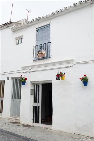 Vivienda en el Casco antiguo de Estepona, de 3 dormitorios, 1 bano, salon, patio  interior, en dos p,Spain