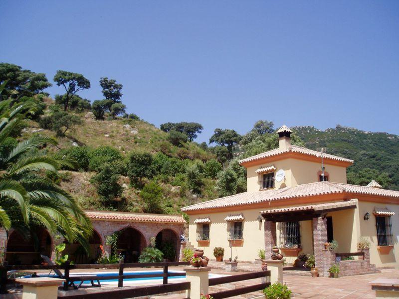Exelente Opurtunidad para amantes de tranquilidad y Naturaleza , Cortijo  situado en el parque natur,Spain