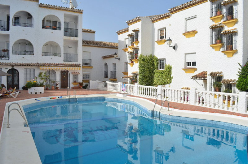 DUPLEX APARTMENT! BARGAIN PRICE REDUCED FROM € 175,000 to € 125,000 FOR A QUICK SALE! Situated in Be,Spain