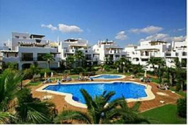 Nice ground floor apartment situated in a gated development 250 meters from San Pedro de alcantara p, Spain