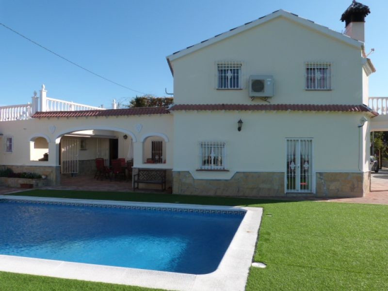 This amazing villa is situated in the area of Almayate Bajo enjoying the peace of the countryside wh,Spain