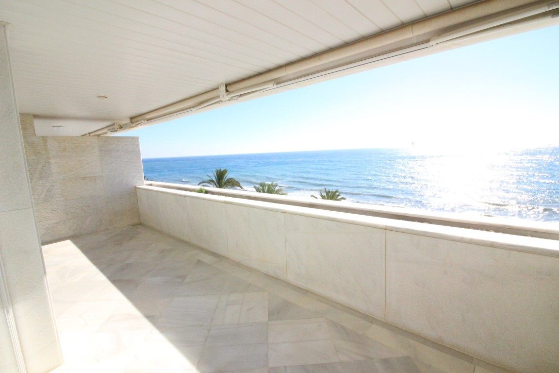Amazing apartment located in one of the most luxurious buildings of Marbella center with incredible , Spain