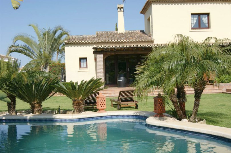 AN EXCELLENT, BEAUTIFUL 4 BEDROOM, 2.5 BATHROOM VILLA IN THE LOVELY AREA OF MIJAS GOLF WITH A LARGE ,Spain