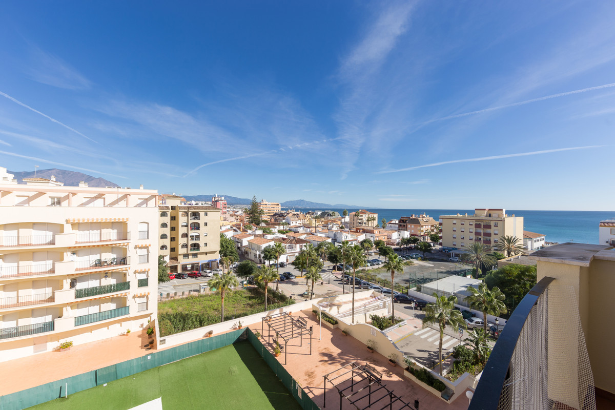 Excellent location, walking distance from the beach and in Sabinillas Beach Side, with the convenien, Spain