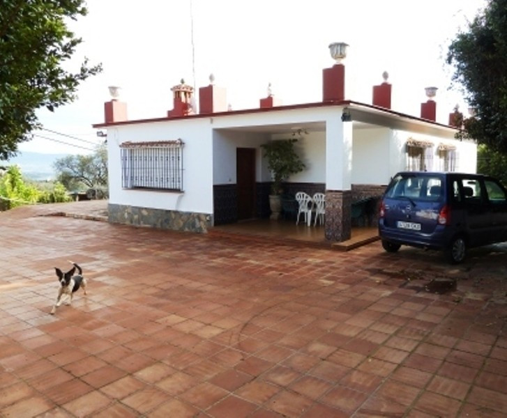 ALHAURIN DE LA TORRE (ARROYO HONDO) For sale  a 5.000 m2 completely fenced finca with  one floor vil, Spain