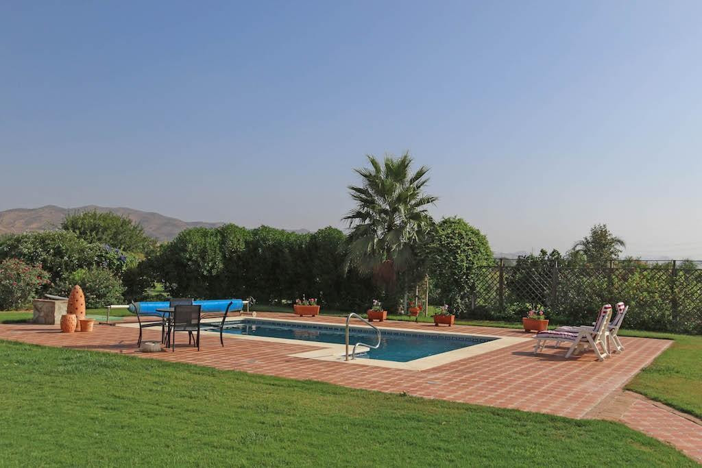 The most magnificently landscaped garden and totally flat plot.  This garden is unlike any plot in t,Spain
