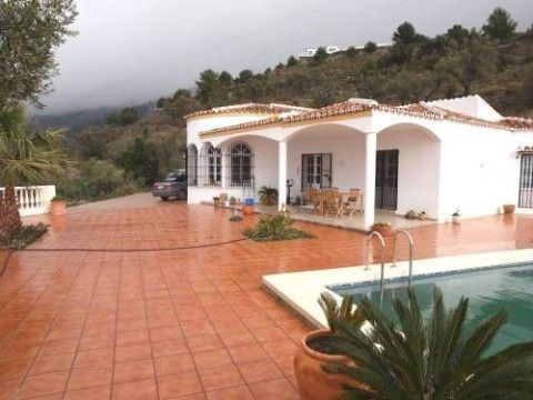 Beautiful country house with breath taking lake + sea + mountains views, high quality standard, part, Spain