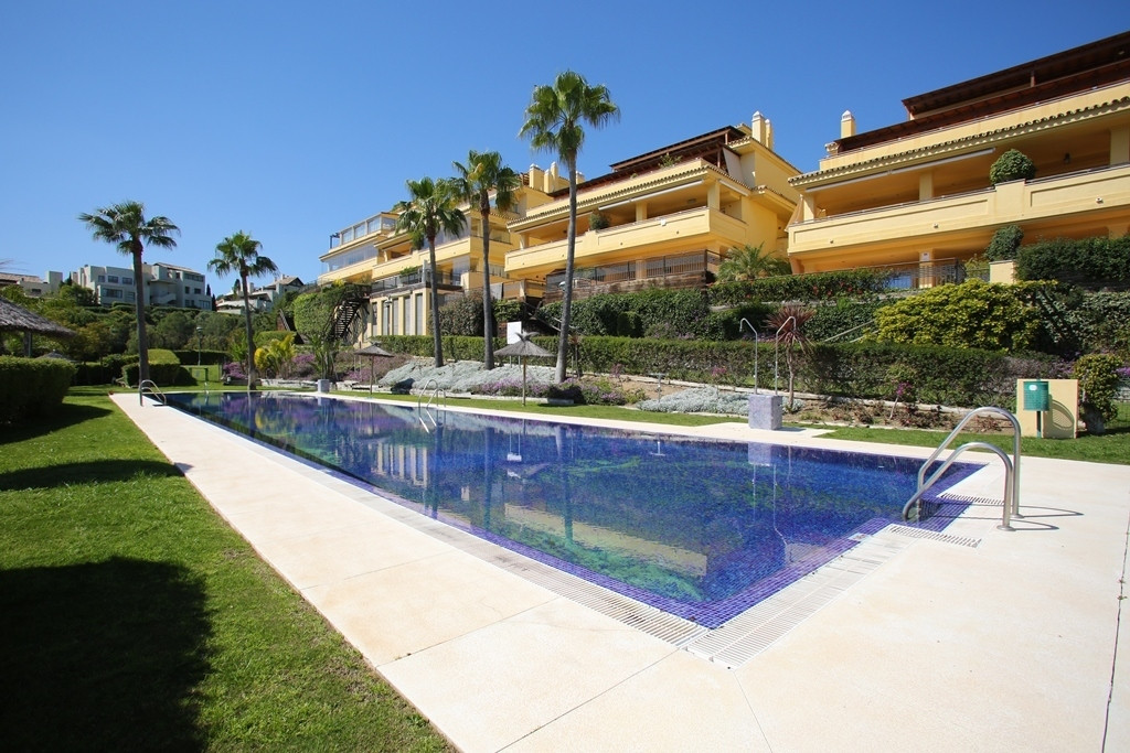 Well-presented three bedroom, south facing first floor apartment in the exclusive and gated communit, Spain