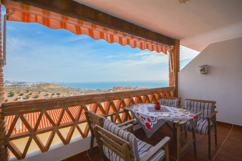 Beautiful Townhouses in Torreblanca with beautiful sea views and just 5 minutes from the beach.  Ide,Spain