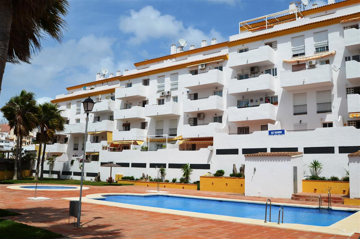 Attractive spacious apartment, recently constructed located in a quiet area of Manilva.  with lots o,Spain