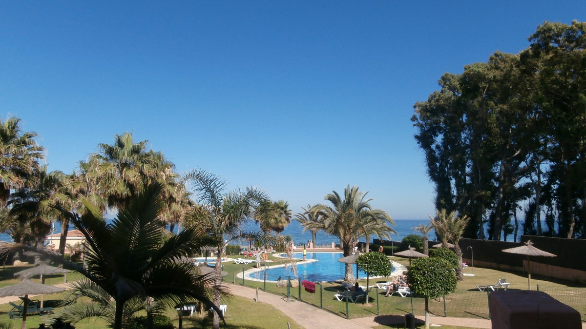Turistic apartment frontline beach, Manilva - property coeived for investors. This property is locat,Spain