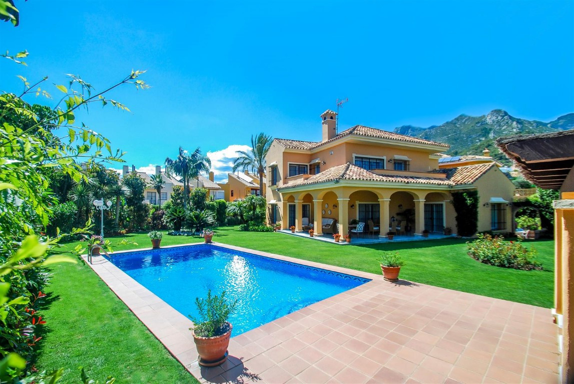 Magnificent 6 bedrooms and 5 bathrooms  villa located in a beautiful area of Marbella close to the B, Spain