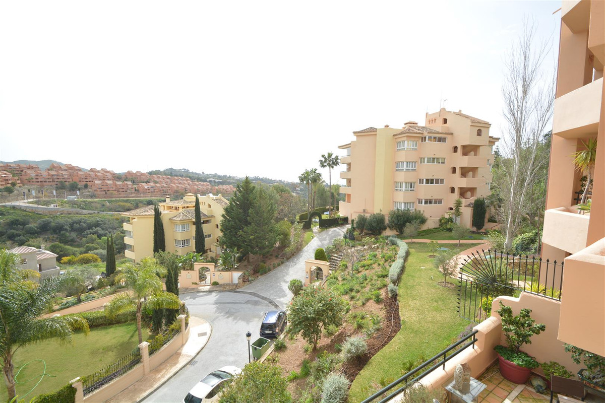 Spacious apartment with 2 bedrooms and 2 bathrooms, located in an exclusive development on the first, Spain