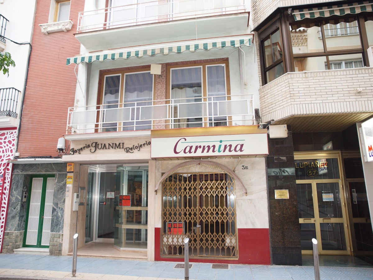 Fatastica opportunity in the main street of Torre del Mar. Sold entire building consisting of the fo, Spain