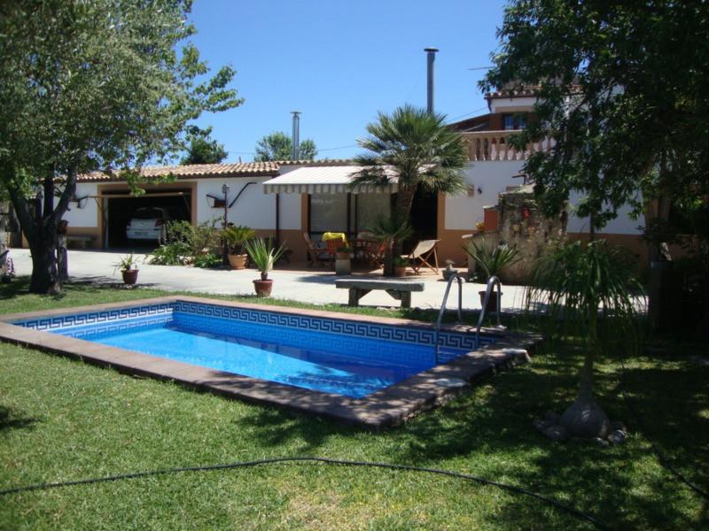 Finca cerca de Sindioteria a 2 km dispone solar de 1100 m2 con casa de 150 m2 + otrAS DEPENDENCIAS D,Spain