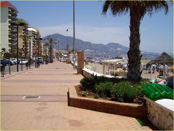 BEAUTIFUL PROFITABLE HOSTAL IN FUENGIROLA   25 ROOMS  IN THE CENTER OF THE CITY  WALKING DISTANCE TO,Spain
