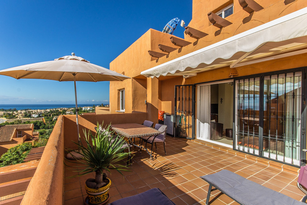 Pretty 2 bedrooms apartment next to Elviria golf course with very nice views to the sea, mountains a,Spain