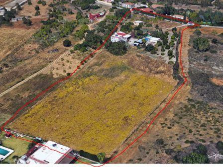 Land, Estepona, Costa del Sol. Garden/Plot 13600 m².  Setting : Country. Pool : Private. Kitchen : F, Spain