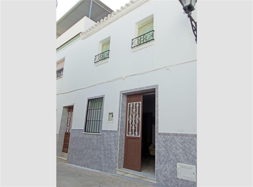Pretty traditional townhouse at the town centre of Alhaurin el Grande, in a very quiet street yet on, Spain