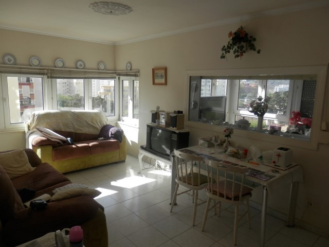 Large and sunny (south west orientation) one bedroom apartment in a quiet and centric neighborhood o,Spain