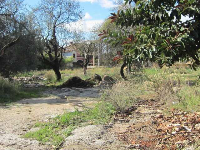 Land situated close to Marbella´s centre. To built 1 villa. project done. Mountain, golf and partial, Spain