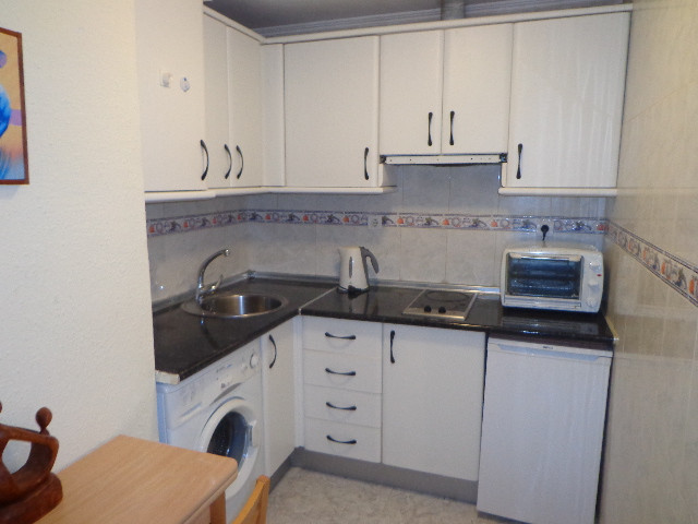 Cosy little ground floor studio, located very centrally in the Pisces/Acuario complex. Totally refor, Spain